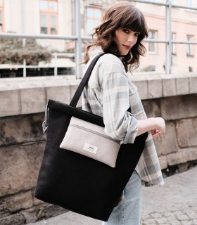Black shopper bag with pocket