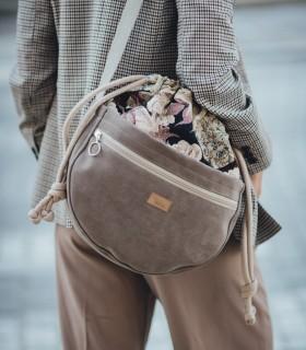 copy of Messenger taška cez plece, šedá s kvetinovým vzorom