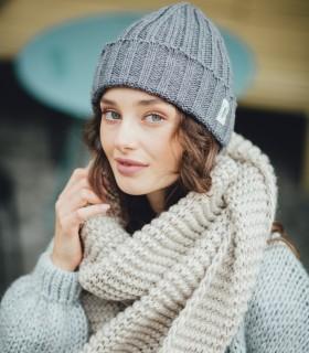 Otulający zestaw: czapka + szal