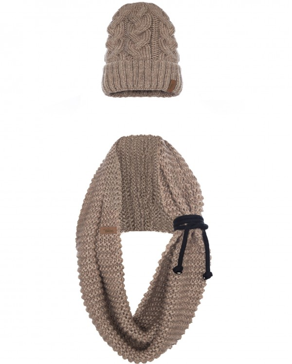 cap and scarf light brown